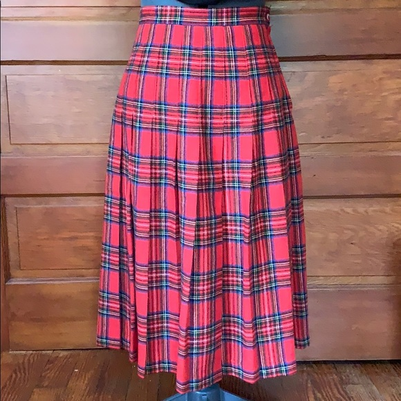 1133f5828c41 Vintage Tartan Plaid Pleated Wool Long Skirt. M_5bca2a37d6dc5254c0551f92